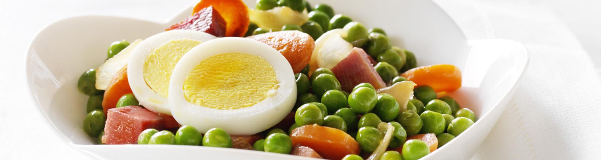 Plato de guisantes con huevo 1024 x 274
