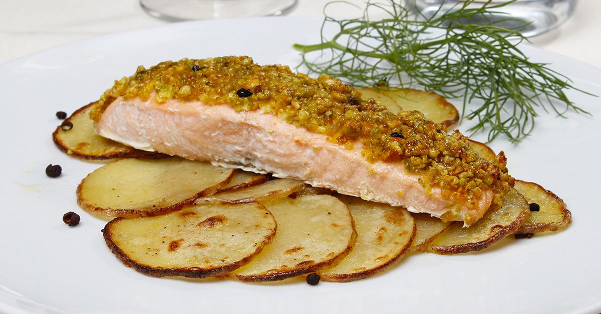 Ricetta Salmone Con Pistacchi.Salmone In Crosta Di Pistacchi Con Patate Findus