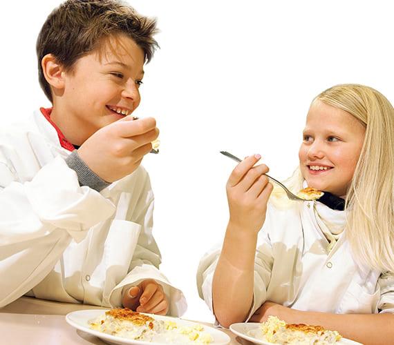 Slik får du barn til å spise sunt