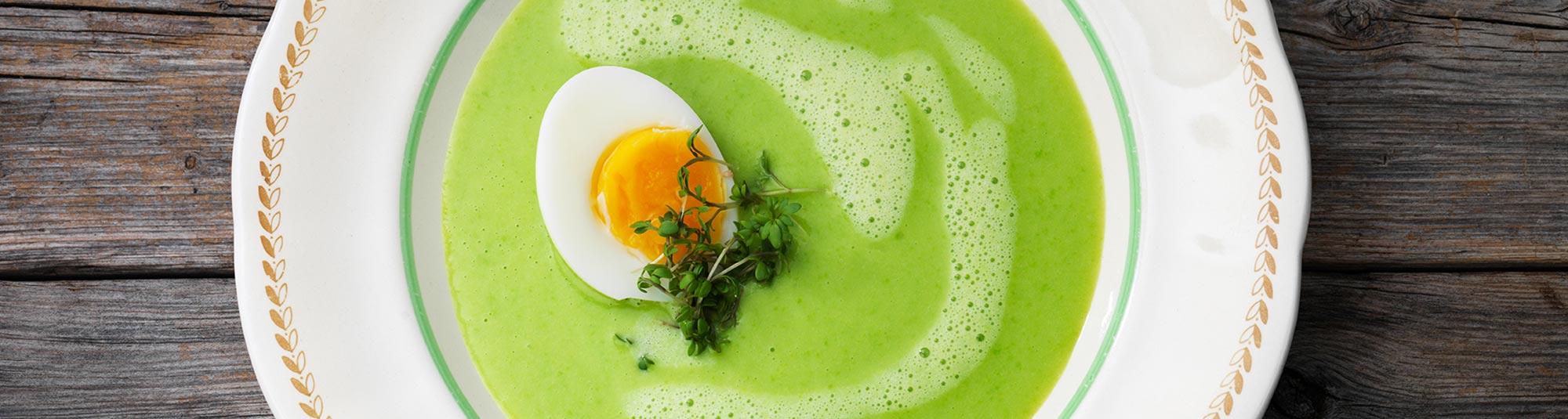 Grönsakssoppa med ägghalva