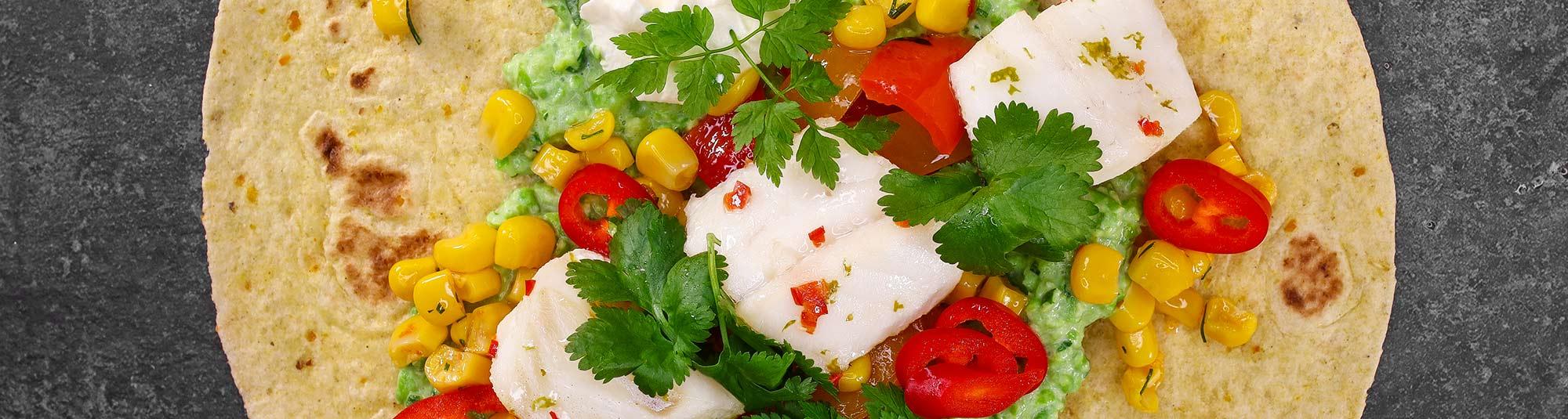 Tacos med Findus gourmetbitar torsk, guacamole och rostad majs