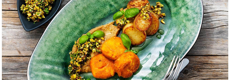 Morotsbiffar med böncreme och pistagecrust