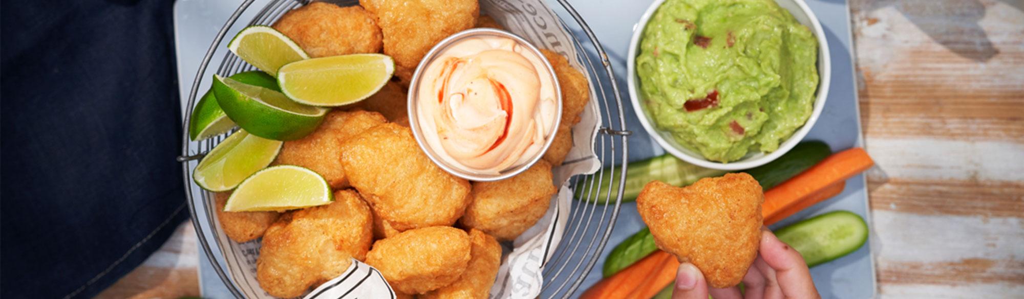 Fish Nuggest med grönsakstavar och dippor