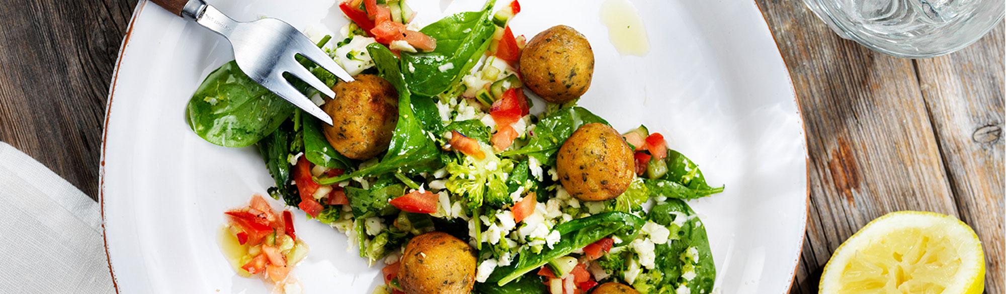 Recept på falafel med blomkål & broccoliris