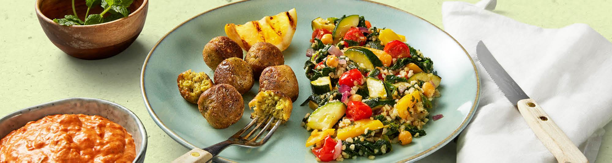 Falafel med Veggie Sides