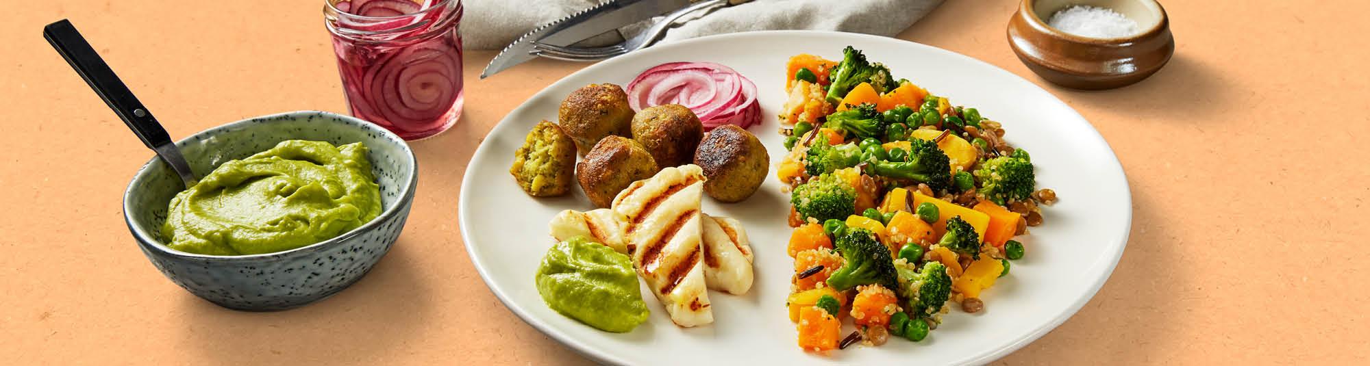 Falafel och Halloumi med Veggie Sides