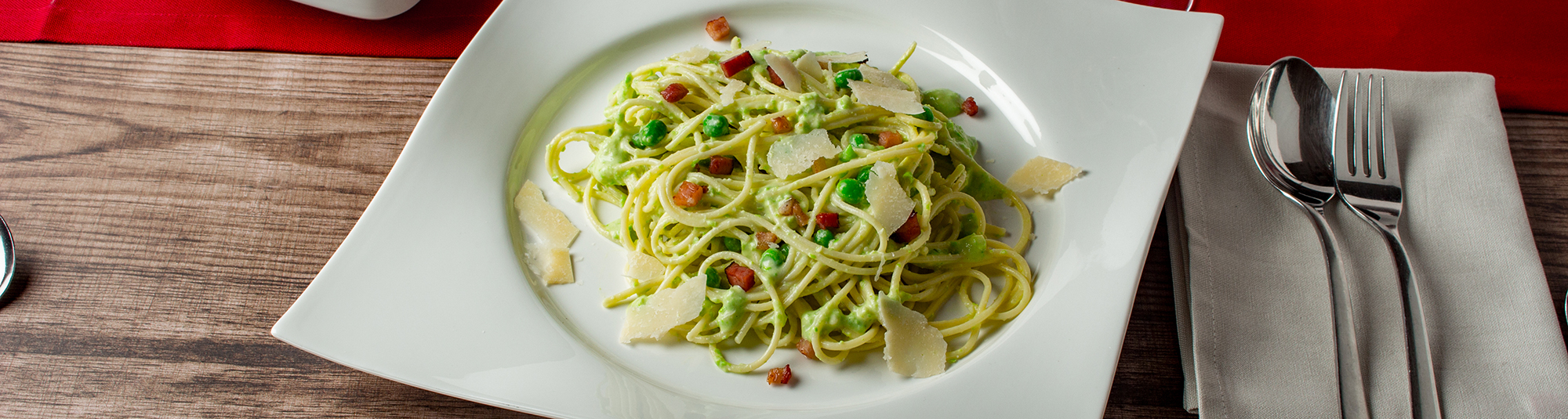 Spaghetti Carbonara Rezept mit Erbsen