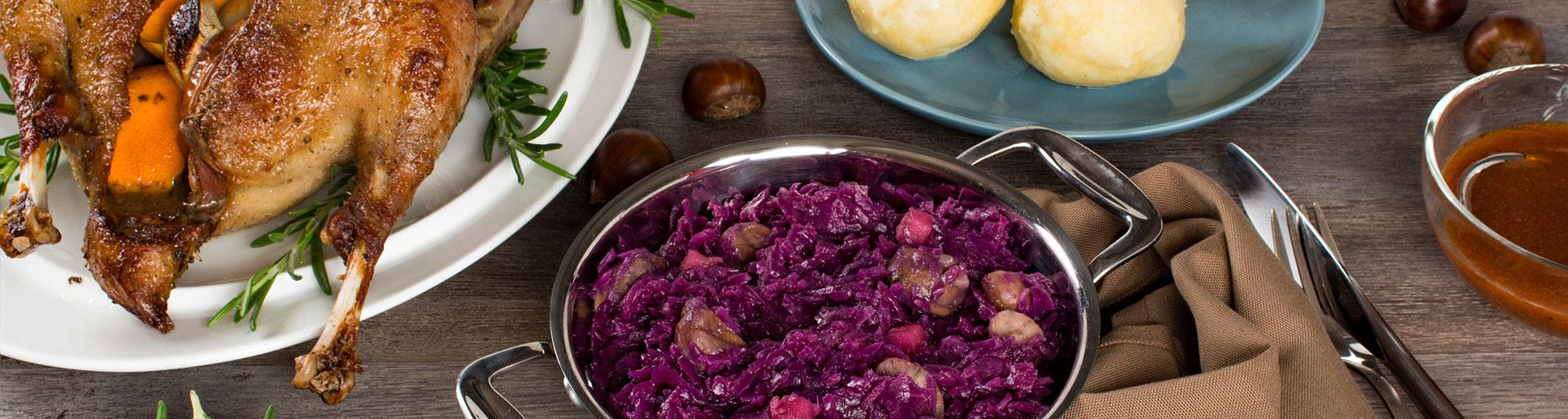 Iglo Gans mit Maronirotkraut und Kartoffelknödel
