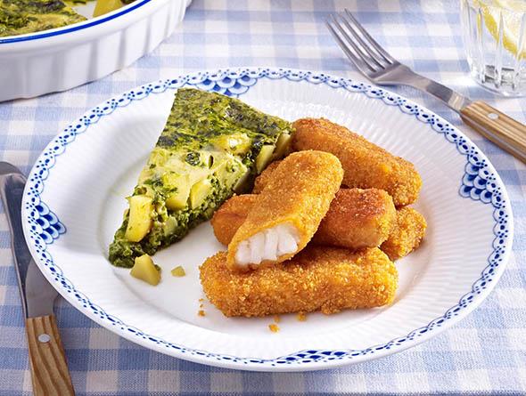 Fischstäbchen mit einem Omelette