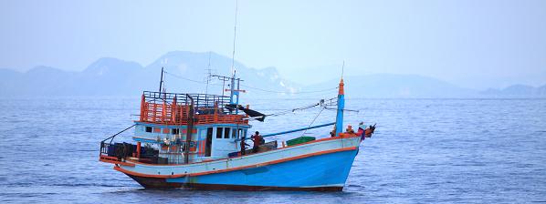 Vissersboot op zee
