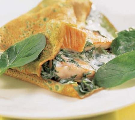 pannekoek met spinazie en zalm