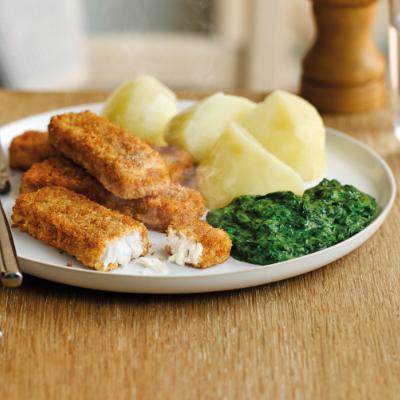 Volkoren Vissticks met Spinazie a la creme en gekookte aardappelen