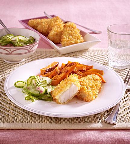 filegro crunchnfisch mit gebackenen suesskartoffel sticks und gurken dillsalat