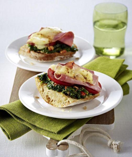 Spinazie sandwich met mozzarella