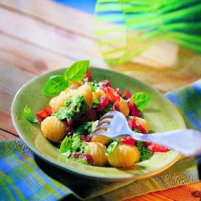 Gnocchi met spinazie-tomatensaus