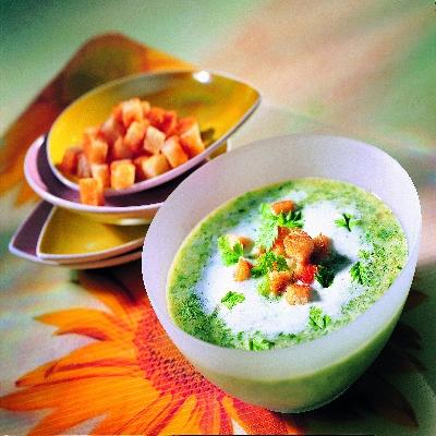 Spinazie-crèmesoep met croûtons