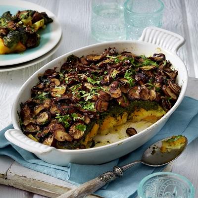 Vegan ovenschotel met spinazie en pompoen