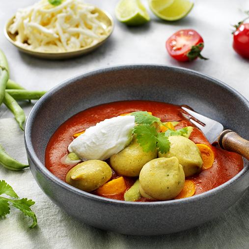 Indisk talleriken med falafel og ris