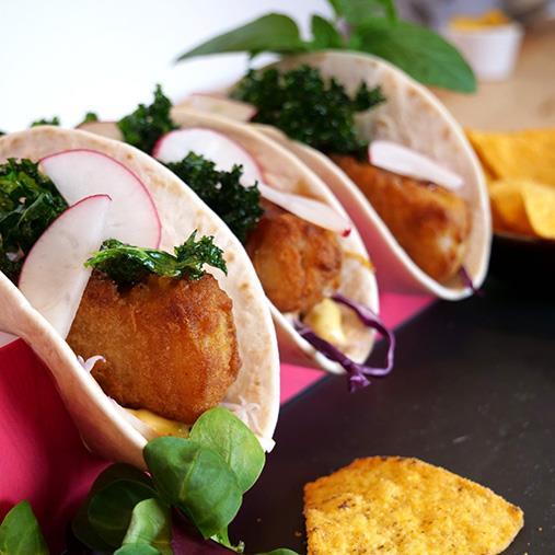 Fish'n Chips roll kaalilla ja wasabikastikkeella