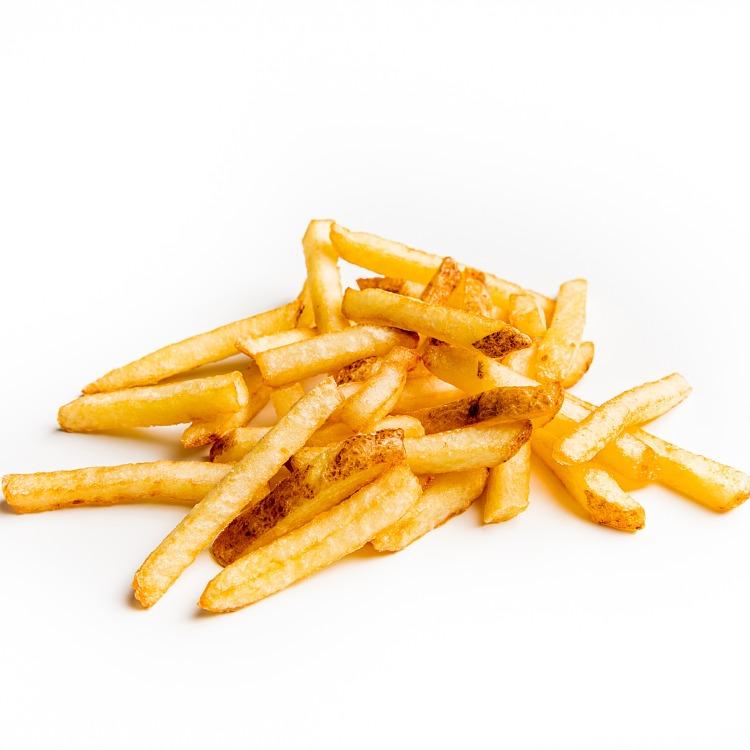 Produkt nærbilde: Pommes Frites rettkuttede med skall i porsjonsskål (fra storpakning).