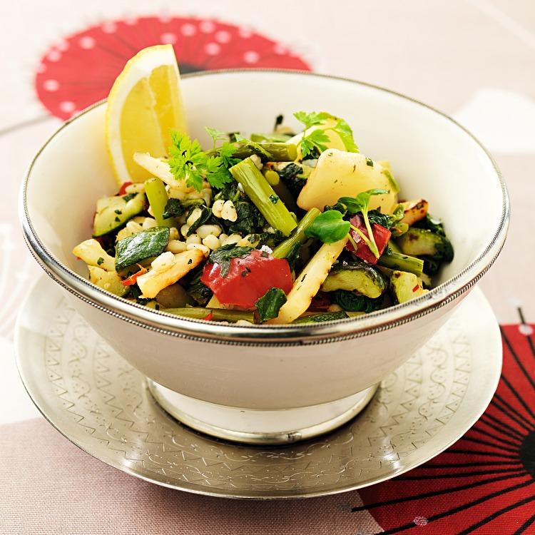 Vetekornspilaff med grillade grönsaker