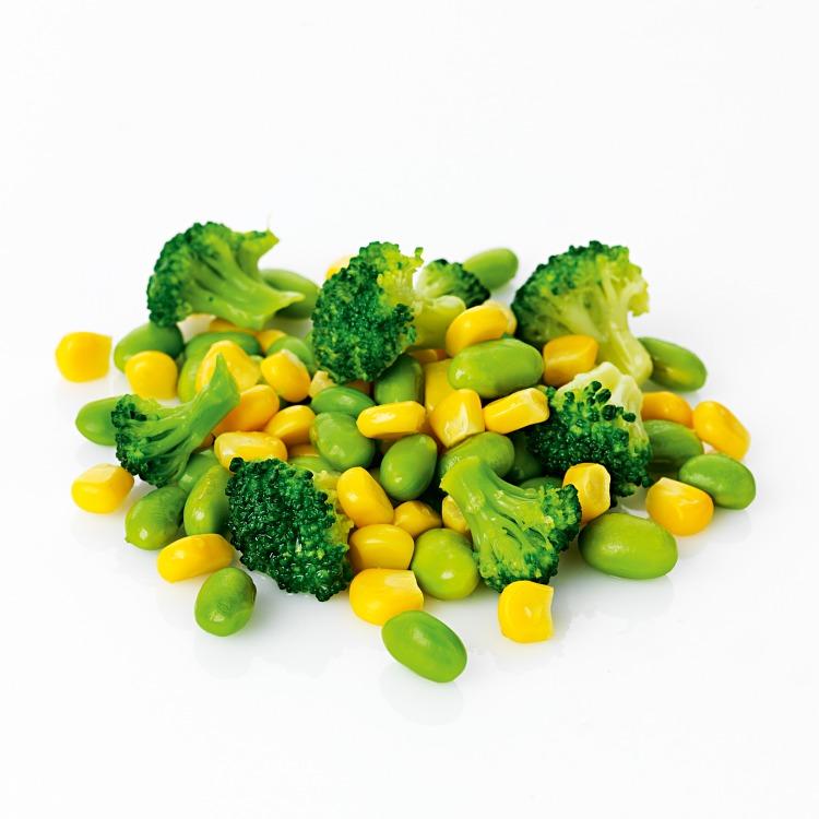 Salladsgrönsaker med sojabönor