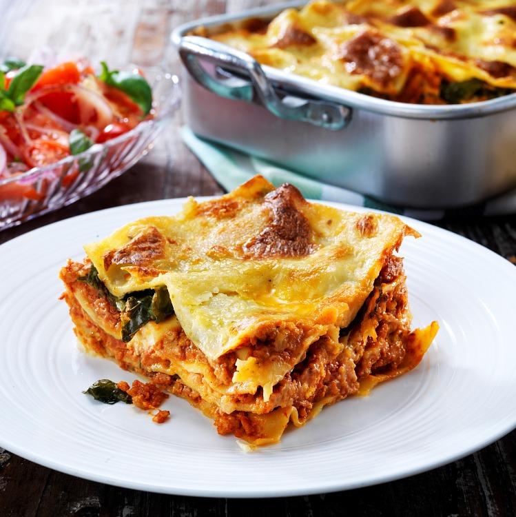 Vegetarisk lasagne gjort på veggie färs