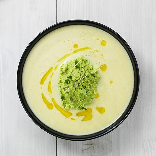 Broccolisoppa med ärthummus