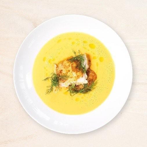 Morot- och pumpasoppa med currystekt fisk