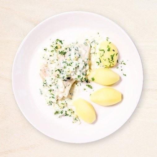 Torskfilé med ägg och persiljesås och kokt potatis