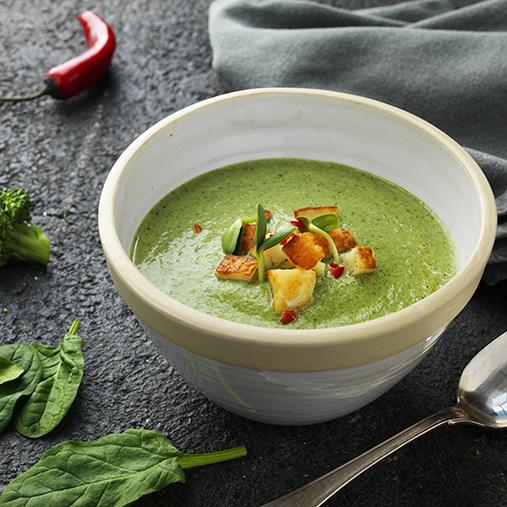 Broccoli- och spenatsoppa med halloumi