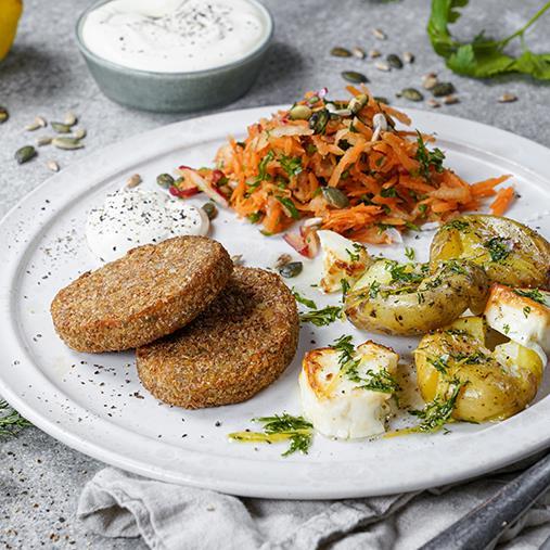 Quinoa- och sötpotatisbiffar med krossad potatis