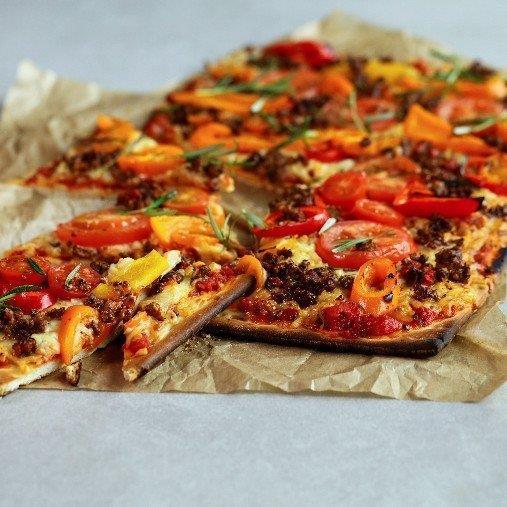 Quorn pizza med paprika och tomat