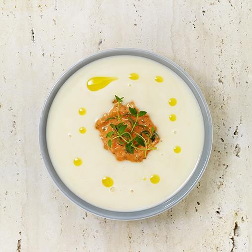 Grönsakssoppa med het morotscrème