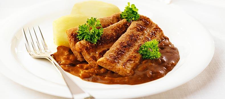 Grov stekt fläsk paté med potatis och bruna bönor