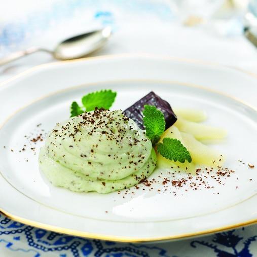 Päron- och mintmousse med choklad