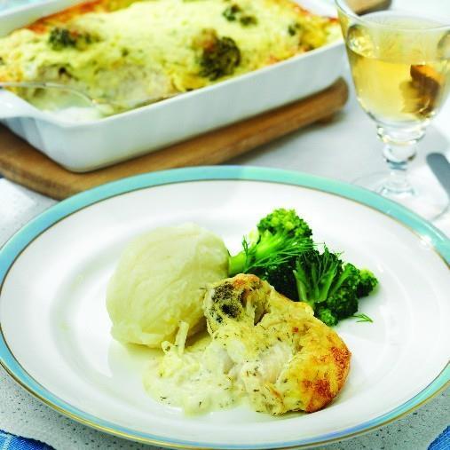 Fiskgratäng med blomkål och broccoli
