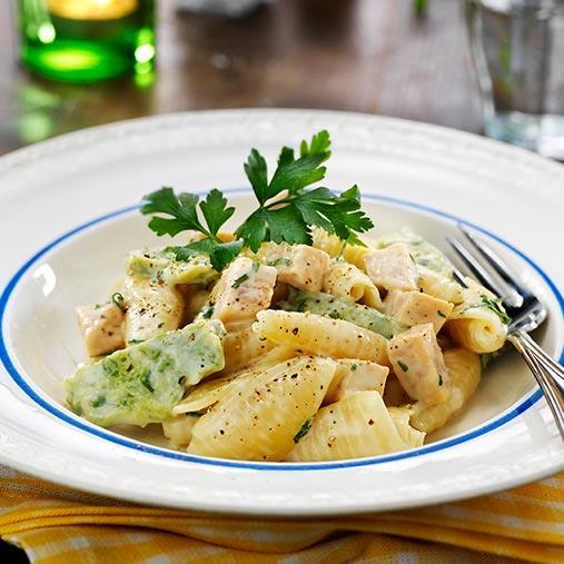 Grov skinkpaté med röksmak, ostsås och pasta