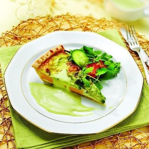 Ädelostdoftande broccolipaj med sparrissås