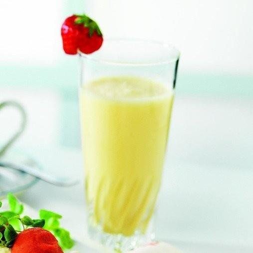 Exotisk yoghurt med vaniljvisp