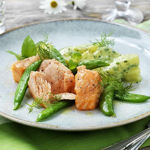 Sockersaltad lax med broccoli- & dillstuvad potatis